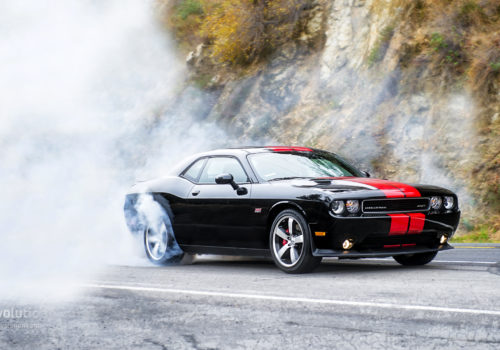 dodge-challenger-srt8-392-review-2014_57