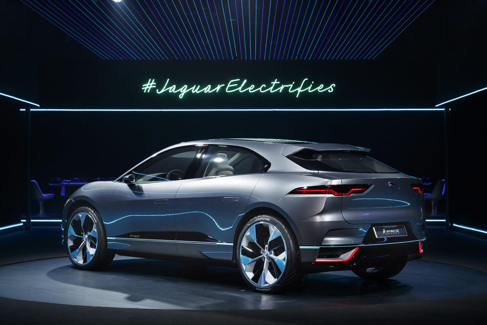 2018-jaguar-i-pace-concept-33