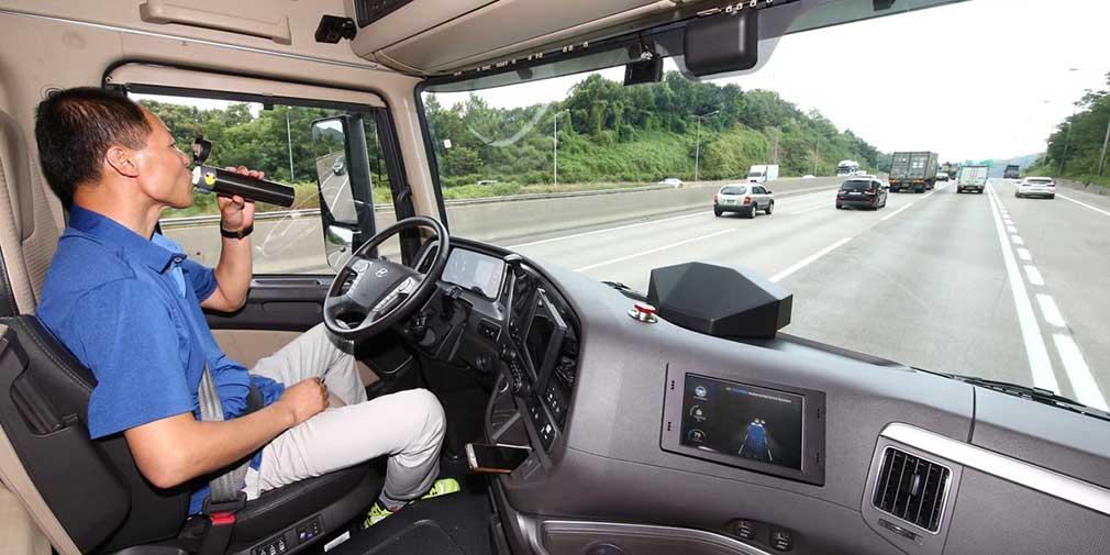 фото кабина беспилотного грузовика